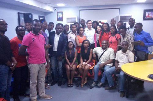 Article : Cameroun: rencontres spéciales entre les blogueurs et l'ambassadeur de France Gilles Thibault